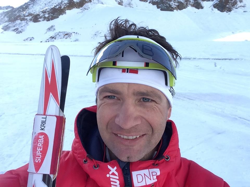 Nórska legenda Björndalen bude znova pretekať aj v behu na lyžiach