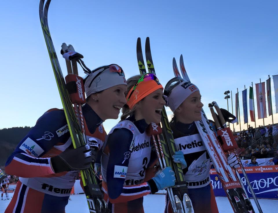 Bjoergenovej sériu na Tour de Ski preťala Johaugová, v 6. etape aj tesný triumf Tscharnkeho