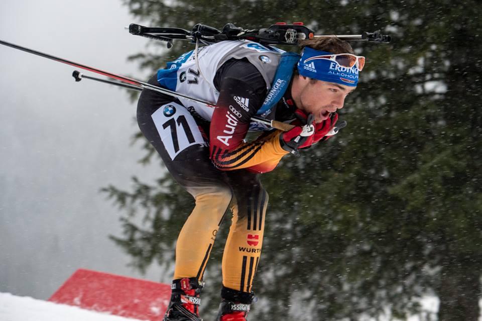 V strhujúcom finiši ruhpoldingských pretekov s hromadným štartom triumf Schemppa