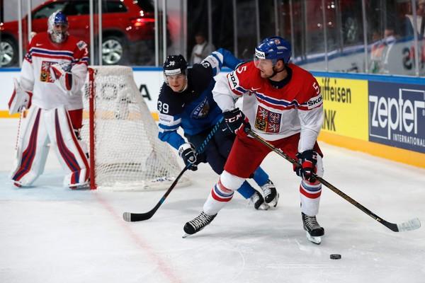 Štvrtý deň na MS v hokeji: Obraty Čechov a Američanov