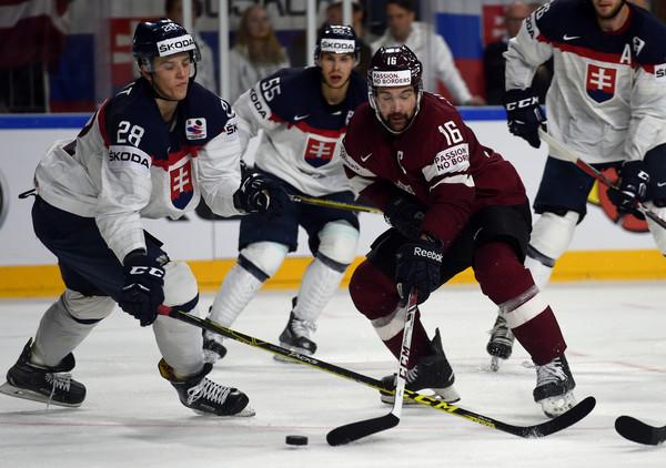 Tretí deň na MS v hokeji: Slovensko prehralo s Lotyšskom, Francúzi prekvapili Fínov