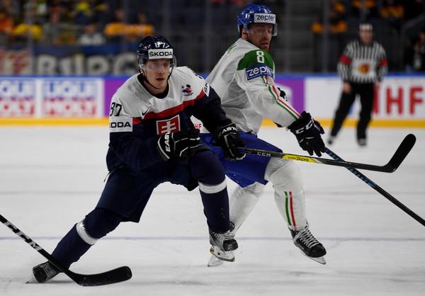 Druhý deň na MS v hokeji: Slovensko v predĺžení zdolalo Taliansko