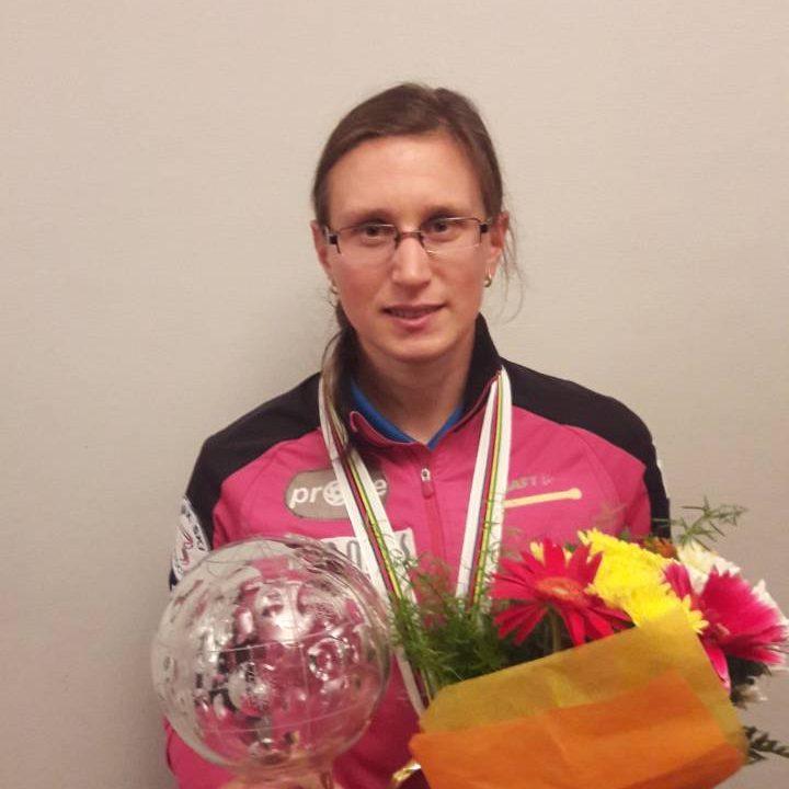 Alena Procházková ako prvá Slovenka celkovo vyhrala SP v behu na kolieskových lyžiach!