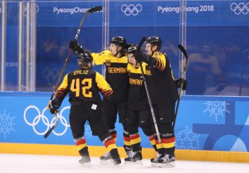 ZOH Pjongčang – hokej: Nemci prekvapujúco postúpili do semifinále, ďalej idú aj Česi
