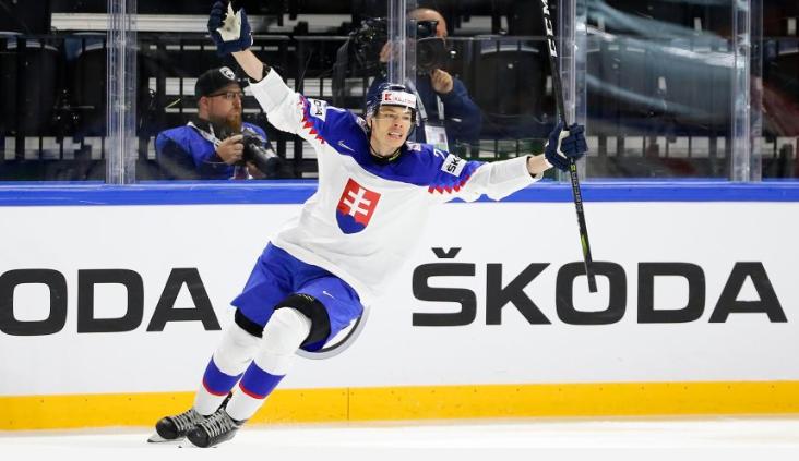 3efab5b0b1d11 Príprava slovenských hokejových reprezentantov na májové majstrovstvá sveta  bude vo štvrtok a v piatok pokračovať na tradičnom podujatí vo Švajčiarsku,  ...