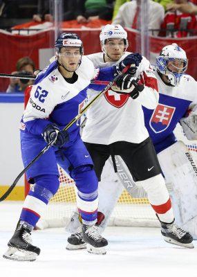 Slovenskí hokejisti v úvode Nemeckého pohára nestačili na Švajčiarov