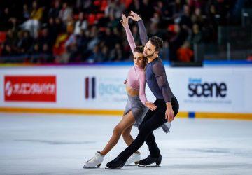 Krasokorčuľovanie Internationaux de France: Domáci tanečníci Gabriella Papadakisová a Guillaume Cizeron opäť prepísali svetový rekord