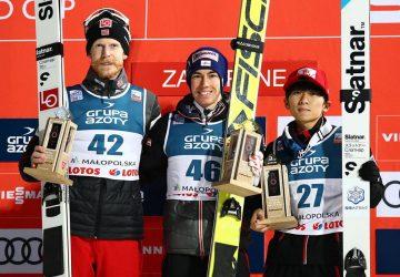 Stefan Kraft vyhral preteky v skokoch na lyžiach v Zakopanom pre Rakúsko po dlhých 22 mesiacoch