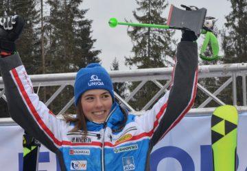 Video: Slovenská hymna pri víťazstve Petry Vlhovej v obrovskom slalome EP v Jasnej