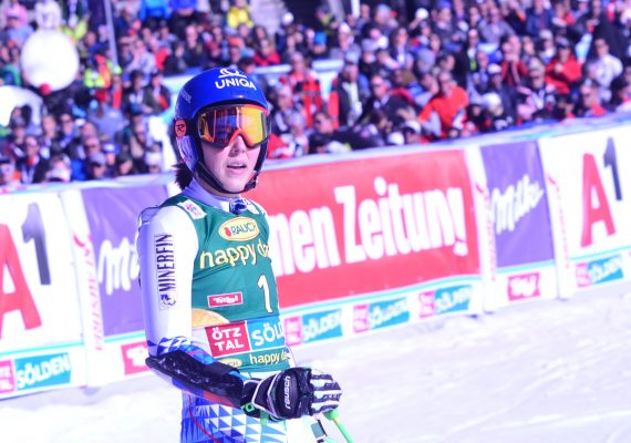 SP Sestriere: Petra Vlhová skončila v paralelnom obrovskom slalome 18., Clara Direzová zažila víťaznú premiéru
