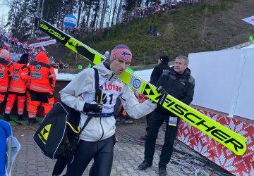 Na čelo SP v skokoch na lyžiach sa dostal Karl Geiger po víťaznom double vo Val di Fiemme