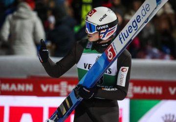 Marius Lindvik vyhral aj tretie kolo Turné štyroch mostíkov