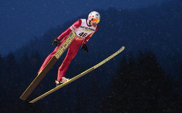 Skokani na lyžiach sa v úvode sezóny budú premiestňovať spoločnými letmi